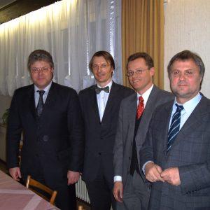 MdB Dr. Hans- Ulrich Krüger, Prof. Dr. Dr. Karl Lauterbach, Dr. Michael Heidinger , MdB Wolfgang Grotthaus (v. li. n. re.)