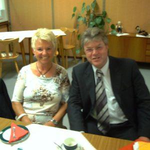 MdB Dr. Hans-Ulrich Krüger und die Vorsitzende der SPD Senioren Voerde Helene Bijas